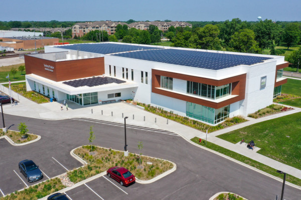 Insulated Sandwich Walls Blend Aesthetic Appeal with Energy Efficiency in Fitness and Recreation Center